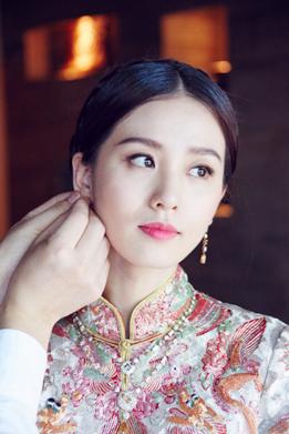 说起淡雅的中式礼服就一定要说说刘诗诗这一身色泽淡雅清新图片
