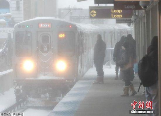 急速赛车345678玩法:芝加哥暴风雪侵袭_深厚积雪导致交通受阻