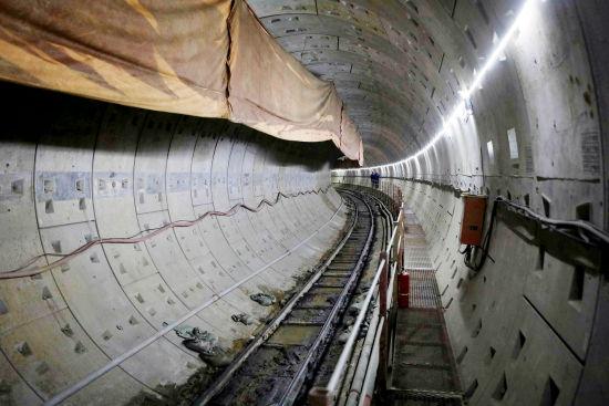 沈阳220千伏盛京-滂江电缆线路工程首个隧道区间贯通