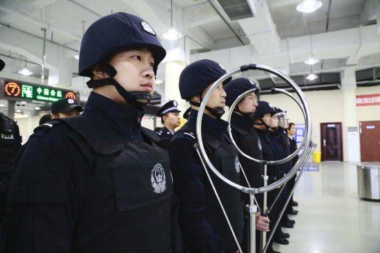 大连边防检查站与口岸联检单位开展联建活动