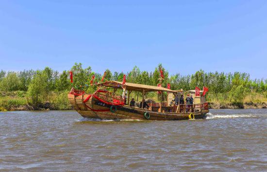 盘锦:木船畅游大辽河 文化传承