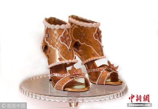 顾客定制1.3亿元高跟鞋 镶满钻石拉链和鞋面则是纯金