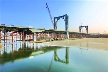 沈城将现新地标 千吨桥塔50米高