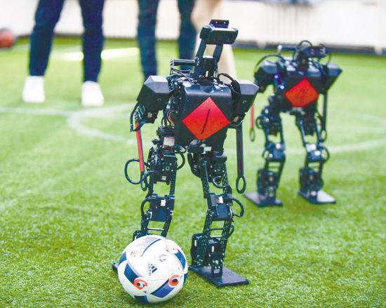 """沈阳""""智造""""足球机器人杀进世界杯"""