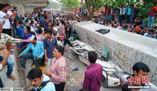 金沙网上娱乐网址:印度在建桥垮塌_至少16人死亡另有多人被埋(图)