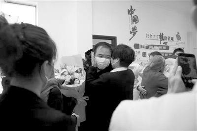 回(hui)�沈���(zhan)疫(yi)那些�P�I��c �@些�r刻值得(de)��